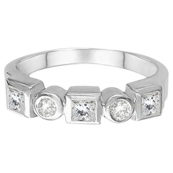 Dazzle Everyone with Diamond Rings