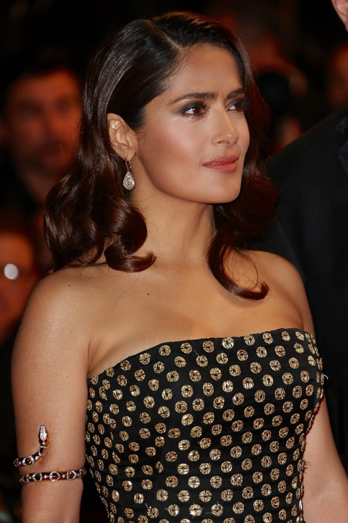 2015_05_14_salma_hayek_jpg_7982_north_499x_white