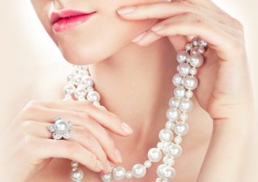 The Pearls of Buying Pearls: Freshwater or Cultured?