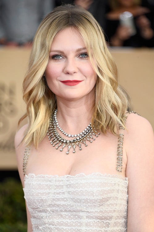 Kirsten Dunst's Layered Necklaces