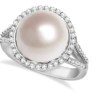 Why You Can Never Go Wrong With Pearls – a Favorite Among All Fashion Icons