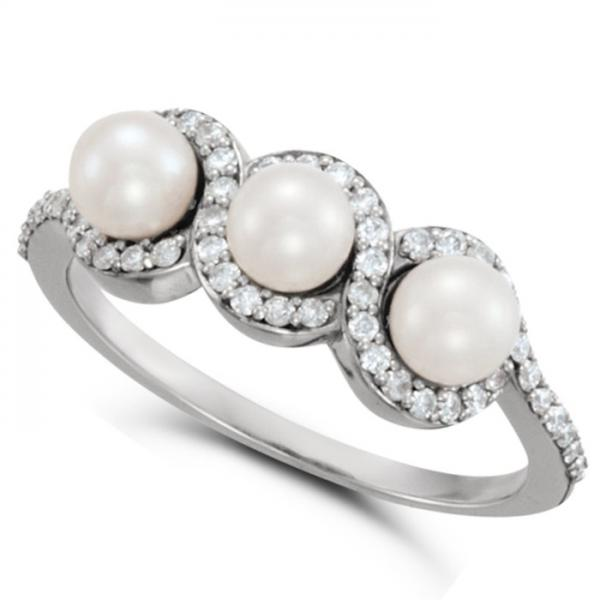 Freshwater 3 Pearl Ring with Diamond Halo 14k White Gold 4.5mm 0.25ct