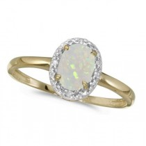 Oval Opal and Diamond Cocktail Ring in 14K Yellow Gold (0.46ct)